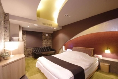 Double-Room-with-Bath-hotel2